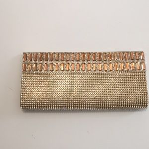 Clutch purse with shoulder detachable strap